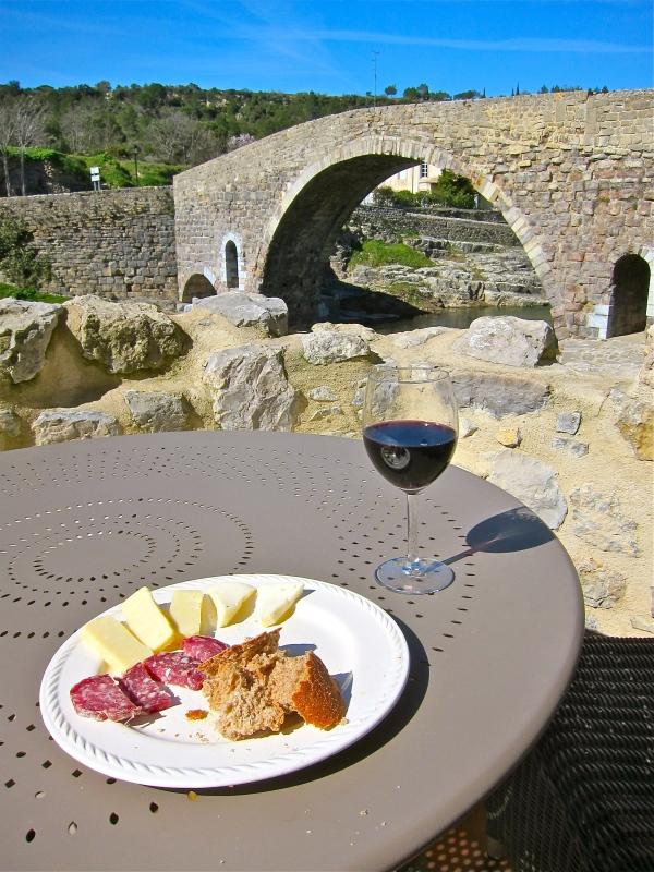 Corbieres wine: 2009.  Bridge: 1150.