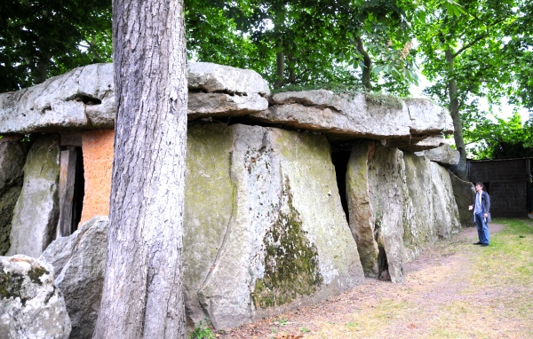 Dolmen de Bagneux in Saumur - inside which we sipped local Saumur wine